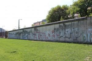 Le Mur de Berlin dans la Bernauer Straße près de Nordbahnhof